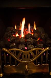 Nama māte līdzinās pavardam. Attēls no http://pixabay.com/en/burn-burning-detail-energy-fire-163844/