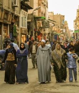 Tradicionāla musulmaņu ģimene Kairā.